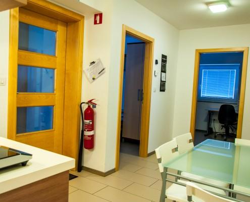 galerija vhod kuhinja jedilnica